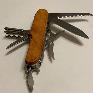 Multi-Tool,with Wood Scales!! Functional